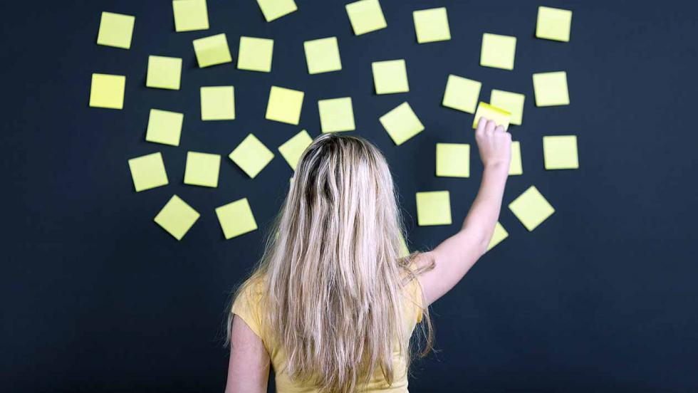 girl with sticky notes